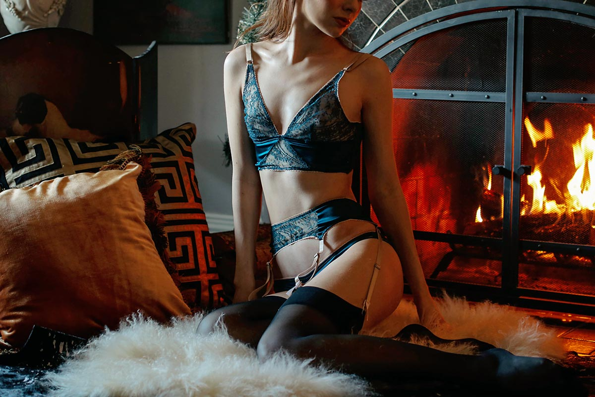 Flat chested in lingerie Lingerie For Small Busts Sea Of Shoes